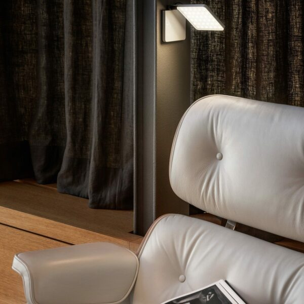 Nimbus Tischleuchte Roxxane Fly LED tragbar mit Akku Schwarz - Lampen & Leuchten