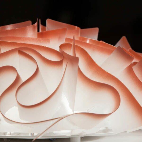 Slamp Wand- und Deckenleuchte Veli Medium Chillirot Detail Leuchtenschim