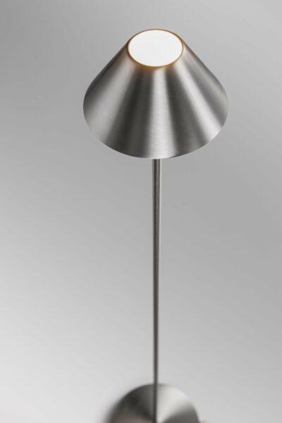 Lupia Licht Stehleuchte Petite F Nickel matt Detail
