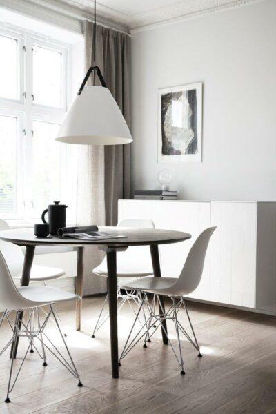 Nordlux Pendelleuchte Strap 36 Weiß schwarzes Lederband Milieu