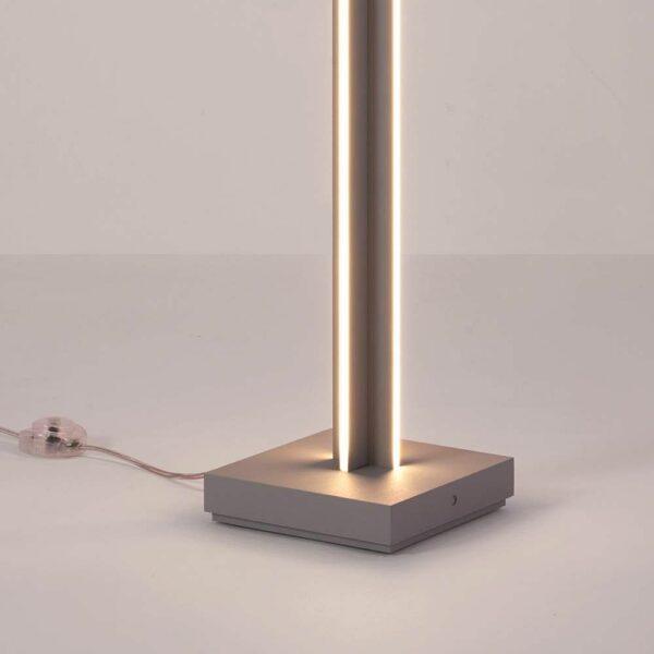 Bopp Stehleuchte Nano aluminiumfarben Leuchtenfuß Detailansicht