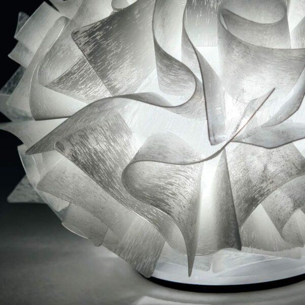 Slamp Tischleuchte Veli Couture Detail Leuchtenschirm