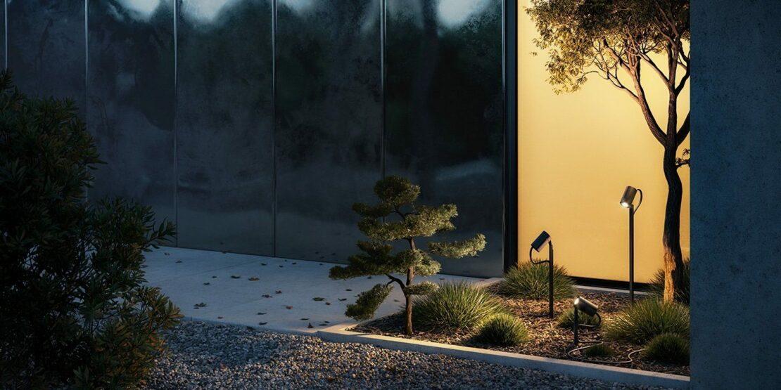 Die drei unterschiedlichen Größen der IP44.de Spießleuchte Piek beleuchten Garten und Hauswand